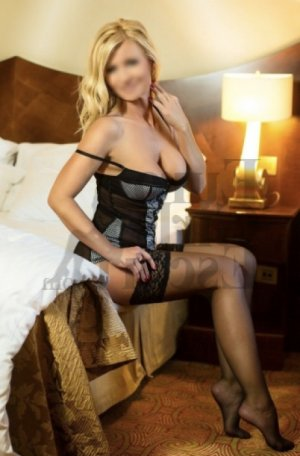 Trissia escorts