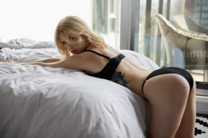 Annetta escorts